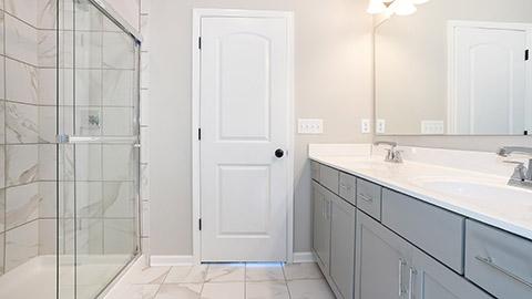 Charleston - Owners Bathroom